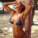 Michelle_Lewin_Beach_Workout_Photo_Session_8.jpg