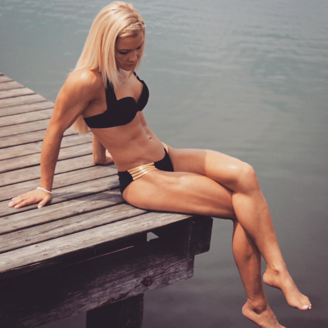 Skinny pussy nude